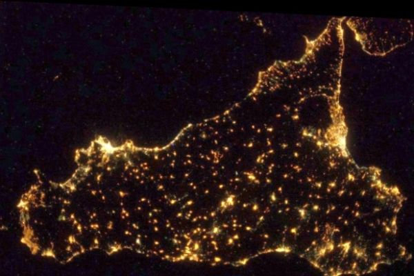 sicilia-notte2B0DDD0A-A64C-14B7-1026-C63743CA5647.jpg